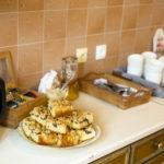 domowe ciasto drożdżowe herbata kawa czajnik dom kuchnia