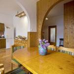 drewno w domu pokoje do wynajęcia