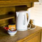 kawa herbata czajnik w pokoju
